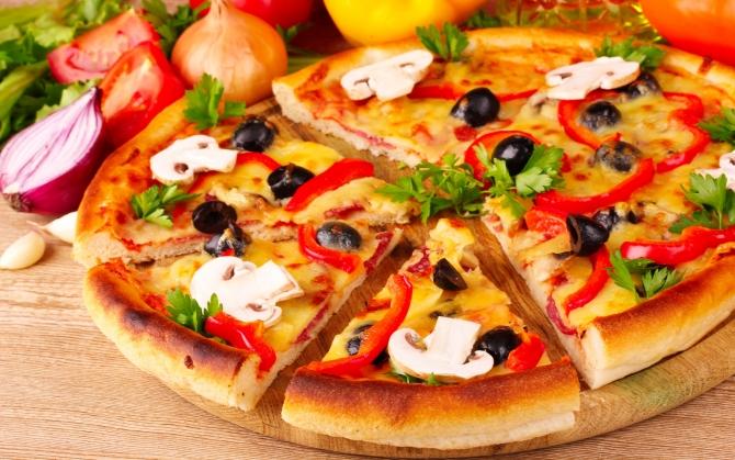Пицца с белыми грибами