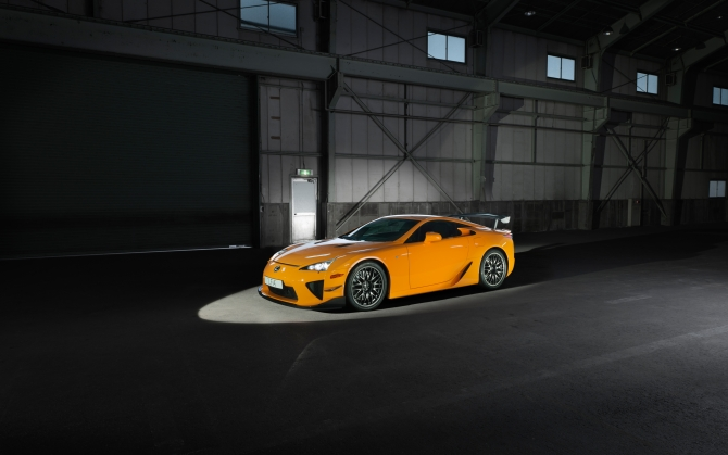 Lexus LFA в гараже