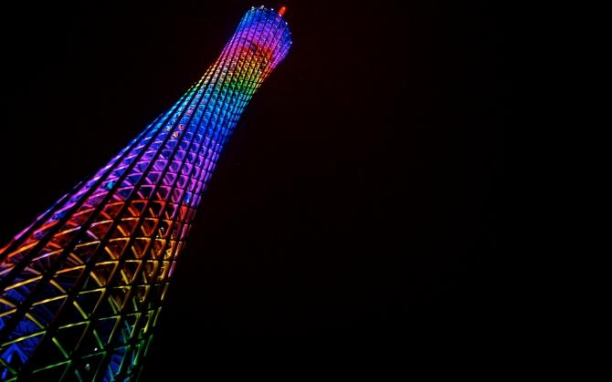 Телебашня Гуанчжоу подсветка