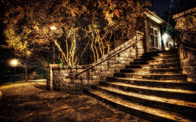 Мрачная лестница