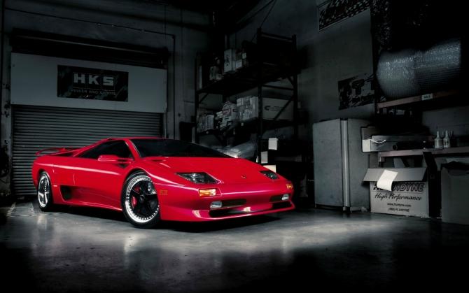 Lamborghini Diablo красного цвета