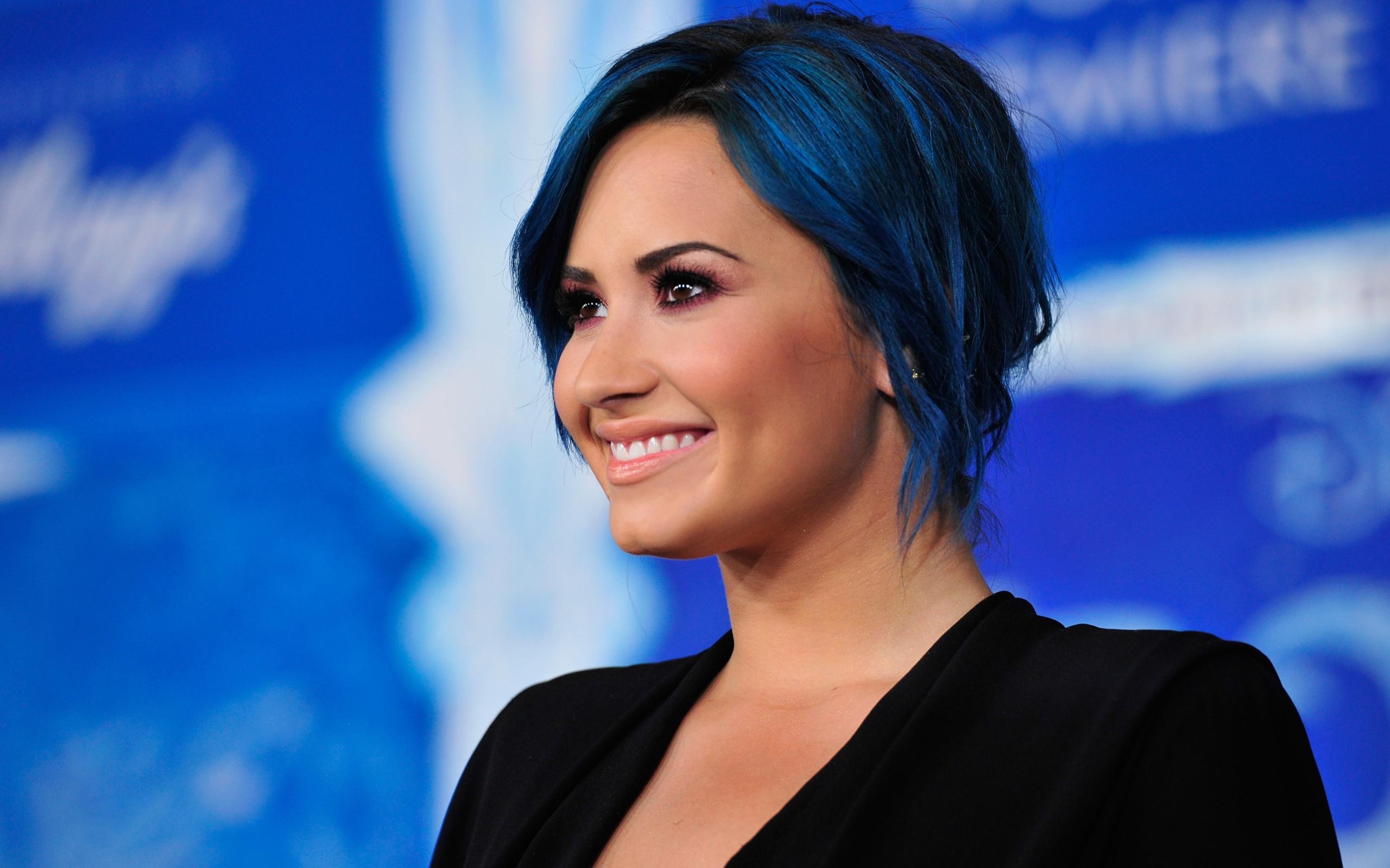 Синие волосы деми ловато обои для