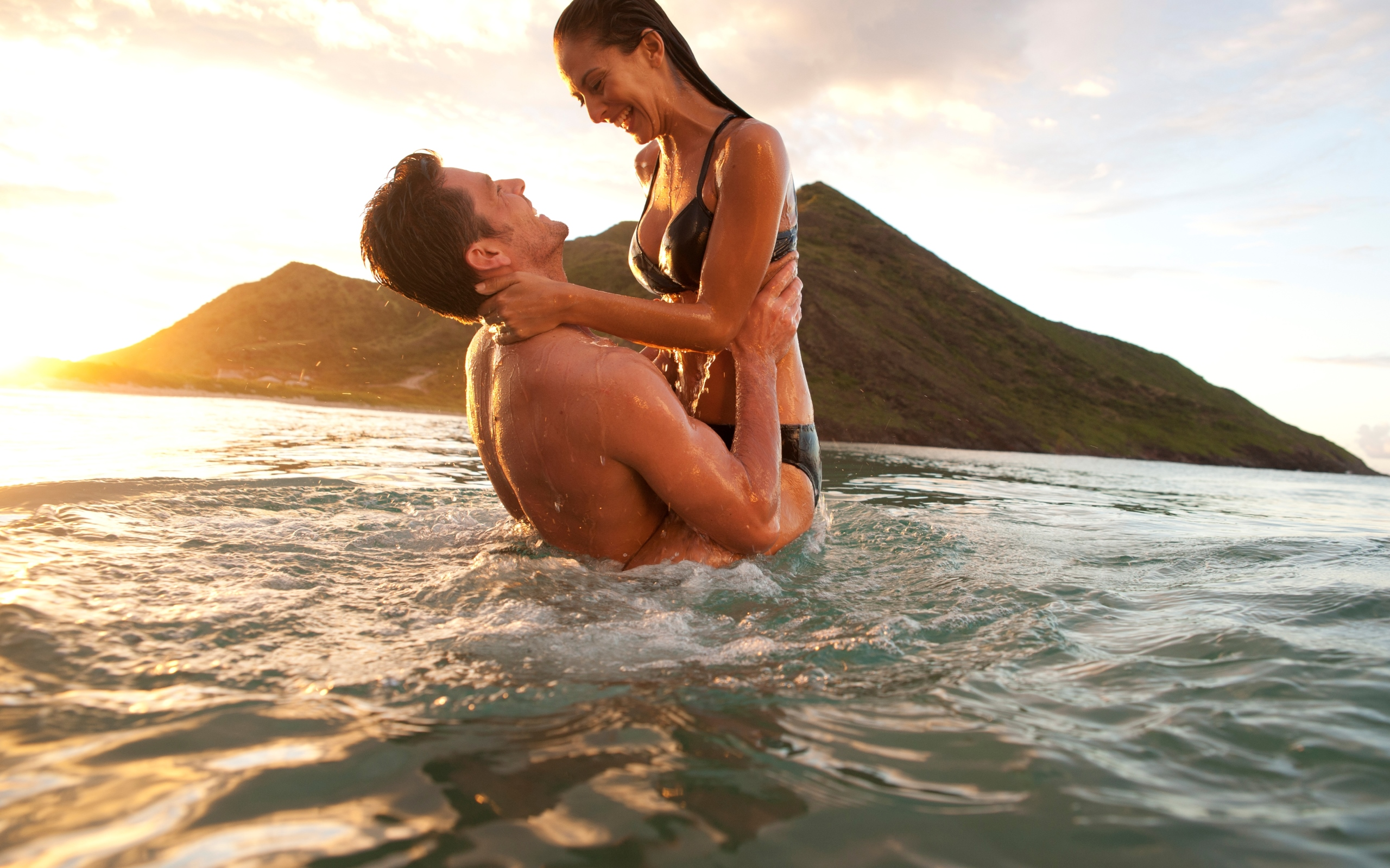 Влюбленные пары на пляже фото
