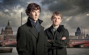 Шерлок и Ватсон на фоне Лондона
