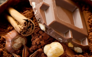 Шоколад с орехом