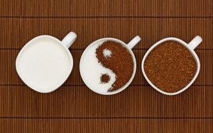 Молоко и растворимый кофе