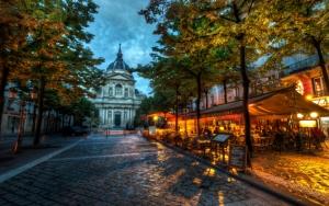 Улочка в вечернем Париже