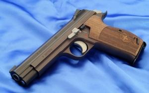 Швейцарский пистолет