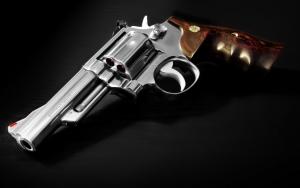 Револьвер Смит и Вессон