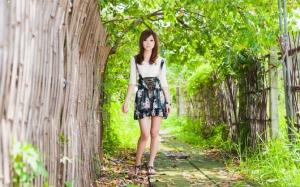 Азиатка в летний день
