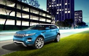 Синий Range Rover Evoque