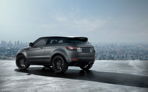 Серый Range Rover Evoque