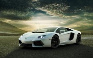 Белый Aventador