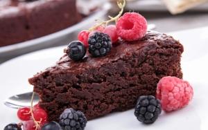 Кусочек шоколадного торта