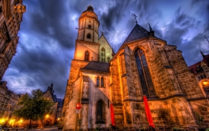 Красивый собор