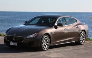 Maserati Ghibli на фоне моря