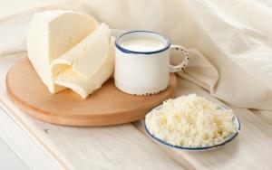 Деревенский сыр с молоком