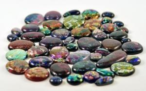 Разноцветные камни
