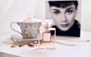Парфюм Mademoiselle Chanel