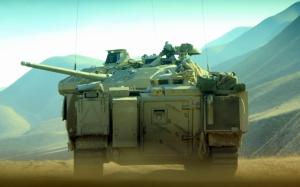 БМП в пустыне