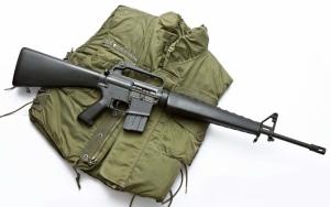 М16 и бронежилет