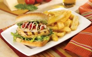 Сэндвич с картошкой фри