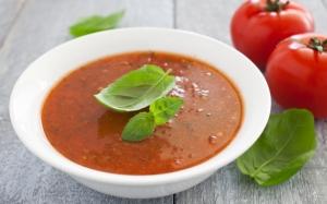 Суп с томатом и базиликом