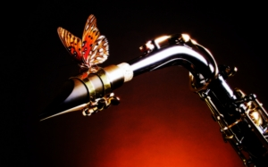 Саксофон с бабочкой