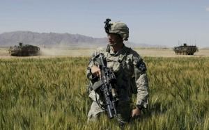 Солдат на учениях