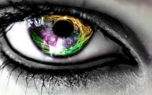 Необычный глаз