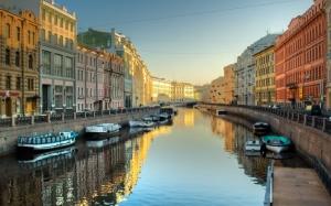 Канал в Санкт-Петербурге