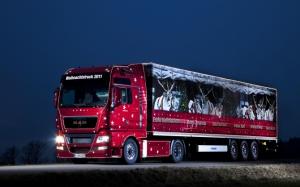 Новогодний грузовик MAN