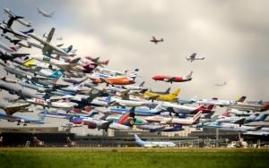 Взлетающие самолеты