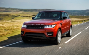 Красный Range Rover Sport
