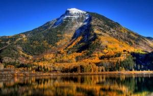 Гора осенью