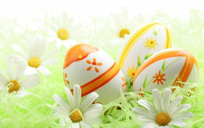 Пасхальные яйца и цветы