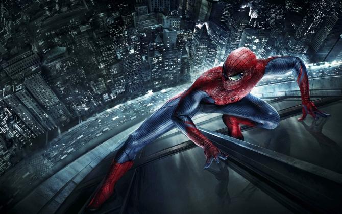 Новый Человек-паук на небоскребе