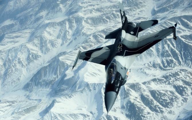 Американский F-16