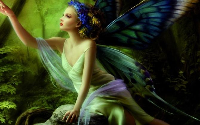 Фея с цветными крыльями