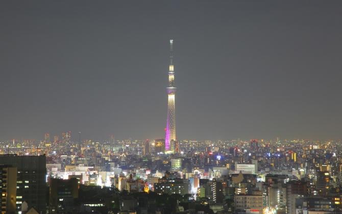 Вид на телебашню в Токио