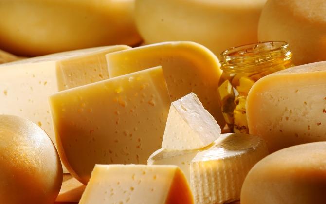 Много сыра