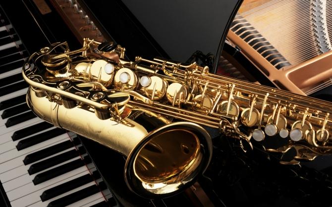 Саксофон и рояль
