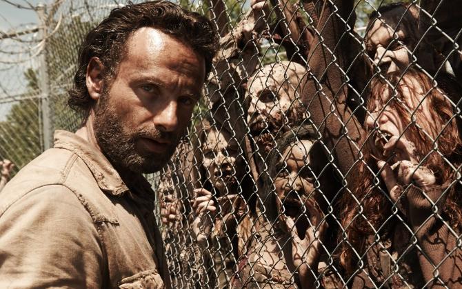 Рик Граймс с зомби
