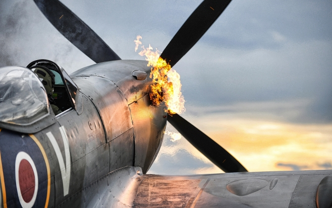 War Thunder подбитый самолет