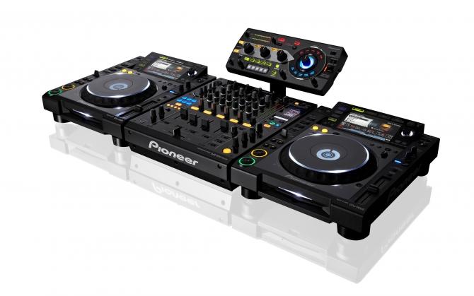 DJ Микшер Pioneer