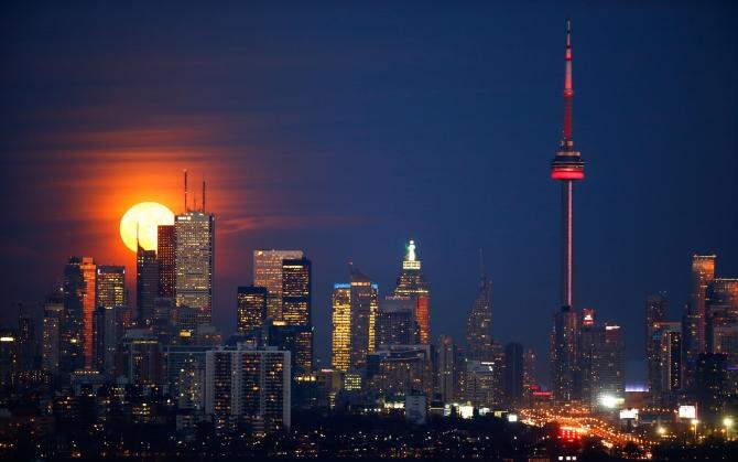 Торонто ночью
