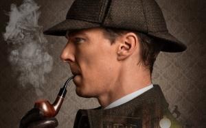 Шерлок с трубкой