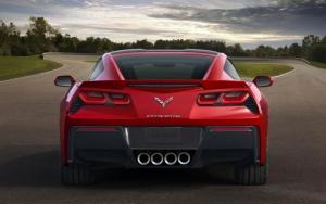 Corvette Stingray вид сзади