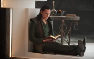 Локи с книгой
