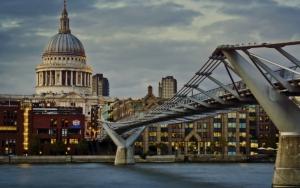 Мост Миллениум в Лондоне